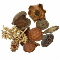 Exotic assortment with natural straw cones 300g