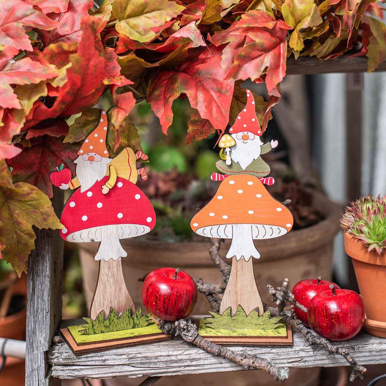 Fly agaric for autumn, wood decoration, gnome on mushroom orange / red H21 / 19.5cm 4pcs